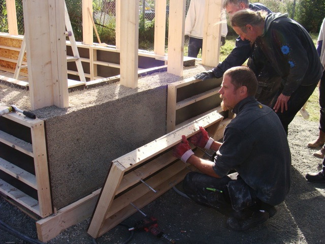 Casting a hempcrete wall